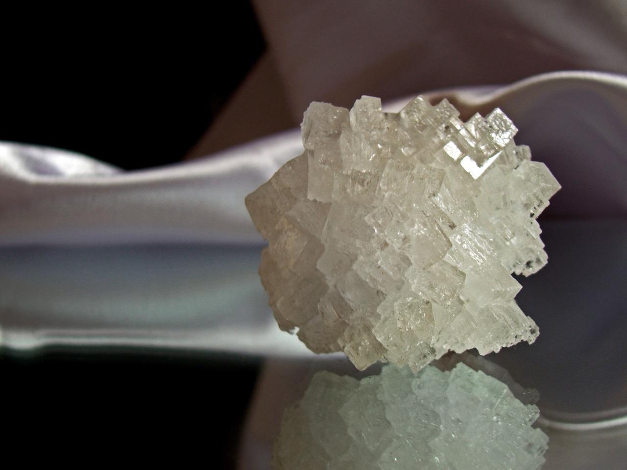 crystal-955935_1280