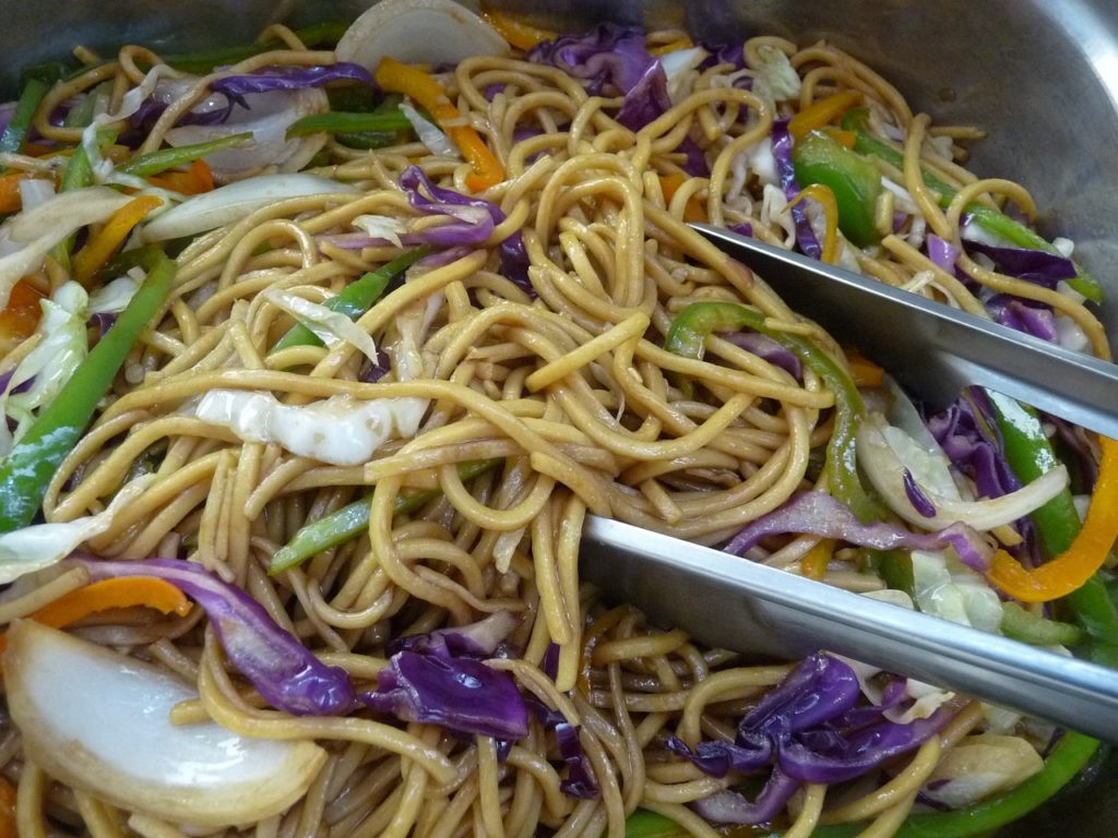 Difference Between Lo Mein And Chow Mein Erinnudi Com